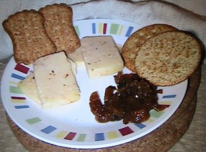 chutney with cheese and crackers